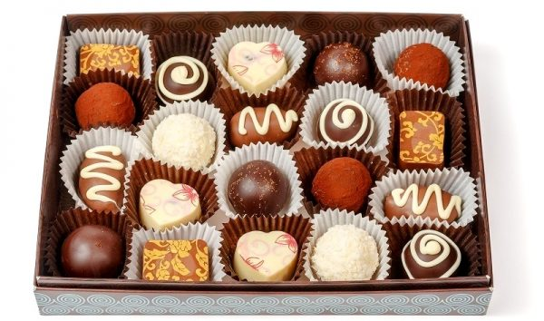 шоколадные конфеты в коробке e1512327202842 - Шоколадные конфеты