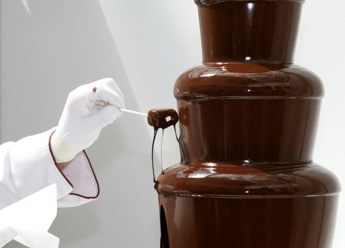 шоколадный фонтан e1512326602246 - Шоколад - полезное удовольствие!