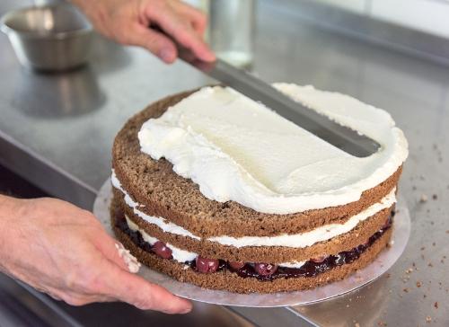 сборка торта шварцвальд