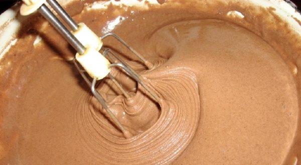 прага торт рецепт e1512395110114 - Легендарный торт Прага - пошаговое приготовление!
