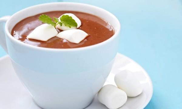 шоколад с маршмеллоу - Два рецепта горячего шоколада - с кокосовым молоком и с мятой!