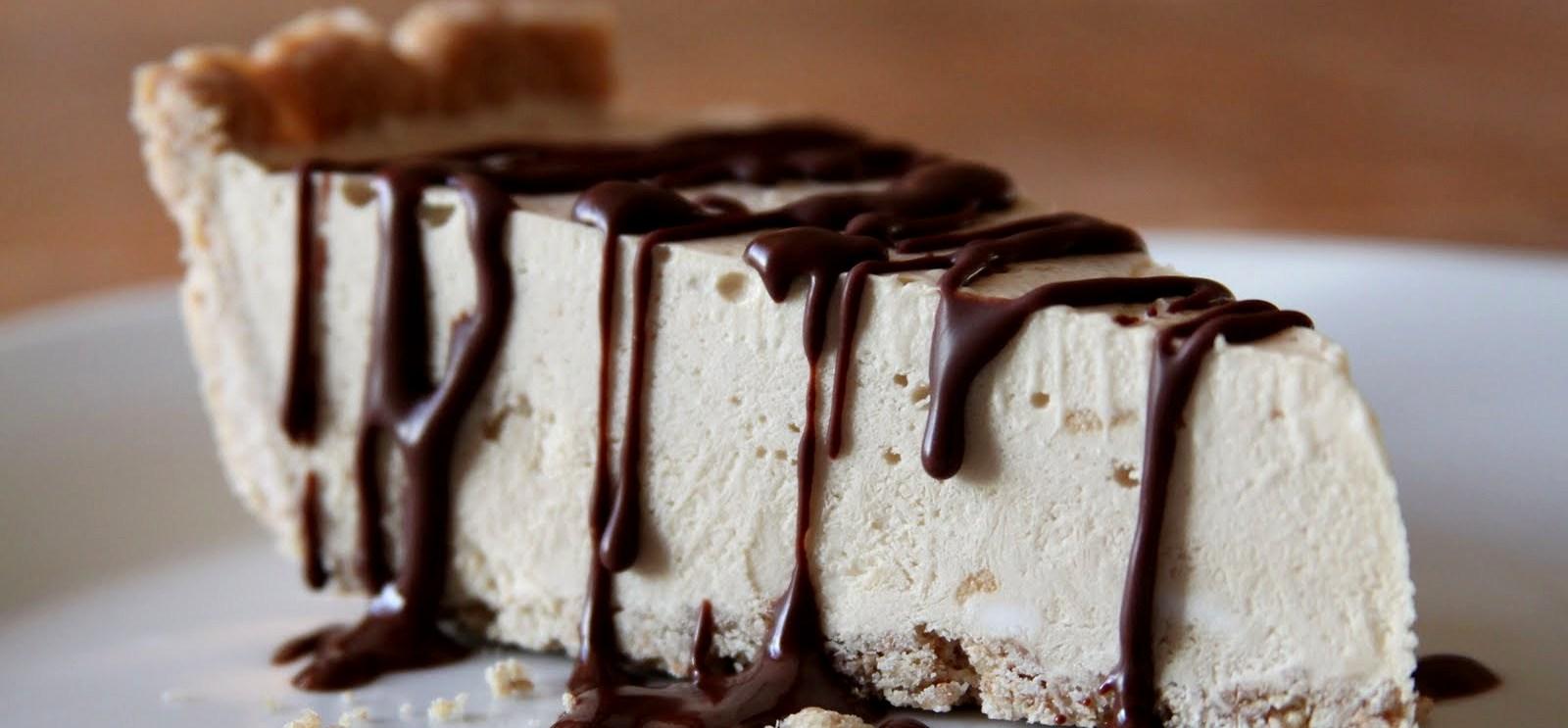 coffee cheesecake - Кофейный чизкейк с шоколадной прослойкой и соусом